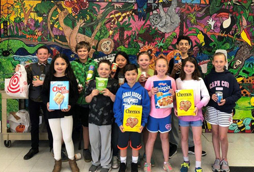 The Student Council Of Thomas Hooker Elementary School Completed A Food  Drive To Benefit The Clients Of The Meriden Soup Kitchen, And It Was  Delivered On ...